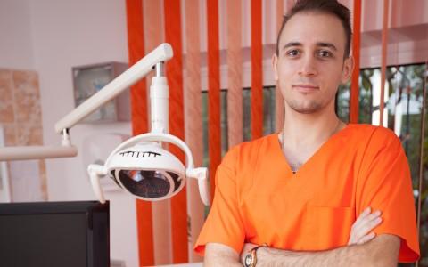2.Dr. Manea Dragos Constantin